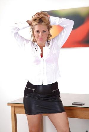 Granny Skirt Pics
